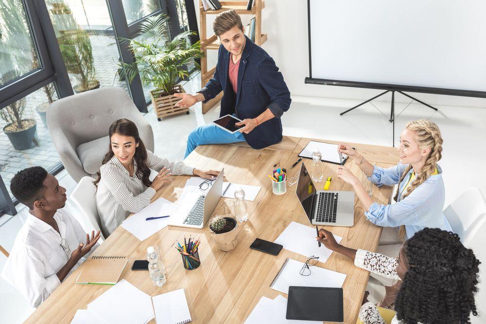 Photo of ¿Cómo identificar y resolver conflictos entre empleados?
